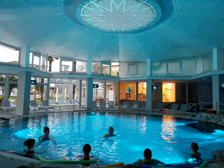 Yoga sensory yoga e relax in acqua termale plaza - Abano piscine termali ingresso giornaliero ...
